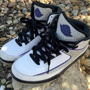 Nike Air Jordan 2 Retro kids Sz 5Y